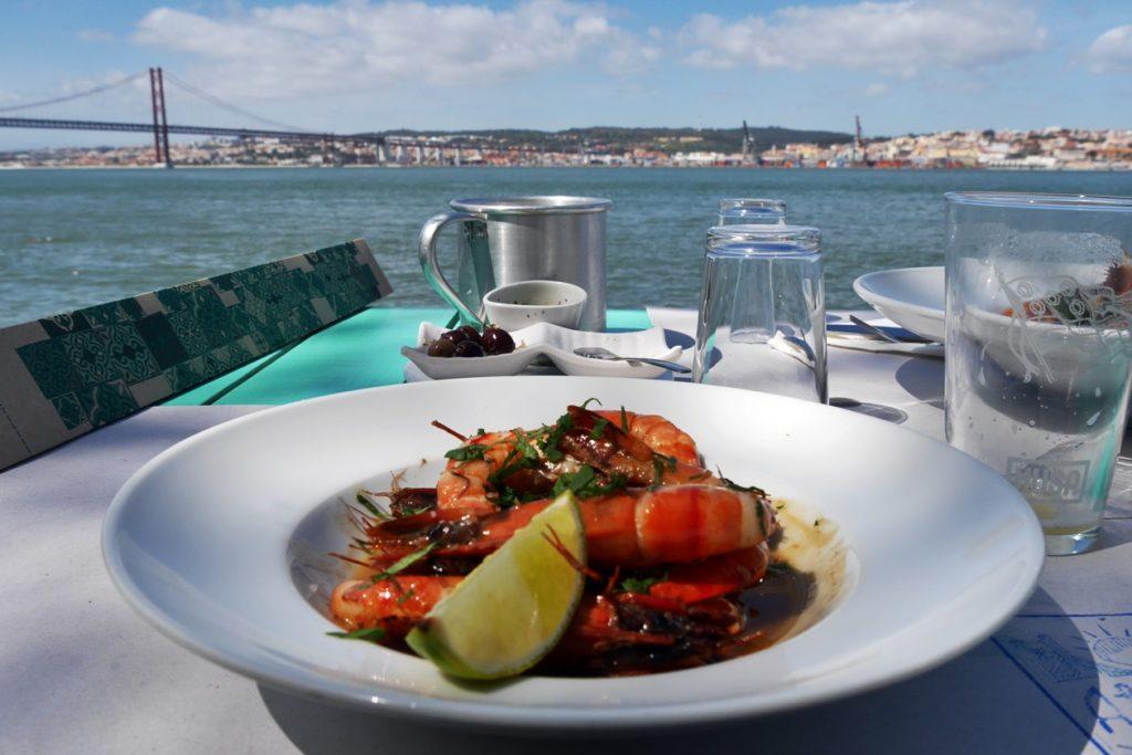 Meeresfrüchte in einem Restaurant in Lissabon