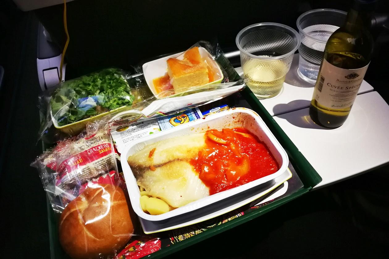 Gesundheit auf Reisen beginnt schon beim Flugzeug essen