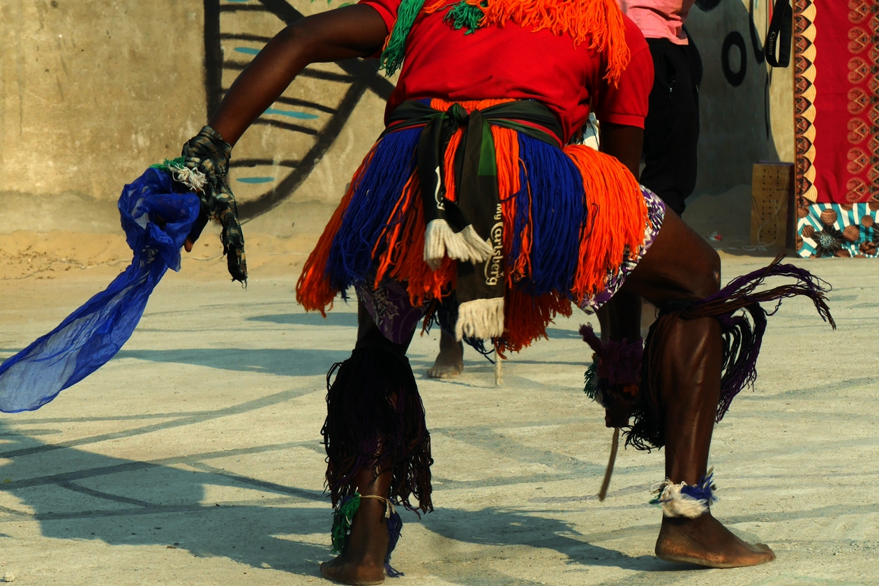 Tänzer von typisch malawischen Tänzen auf dem Lake of Stars Festival