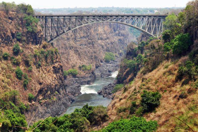 Brücke über die Victoria Fälle