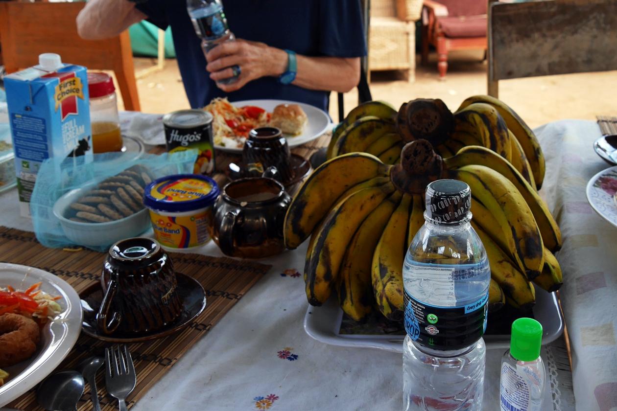 Frische Bananen als Teil des Mittagessens im Chingalire Rural Homestay