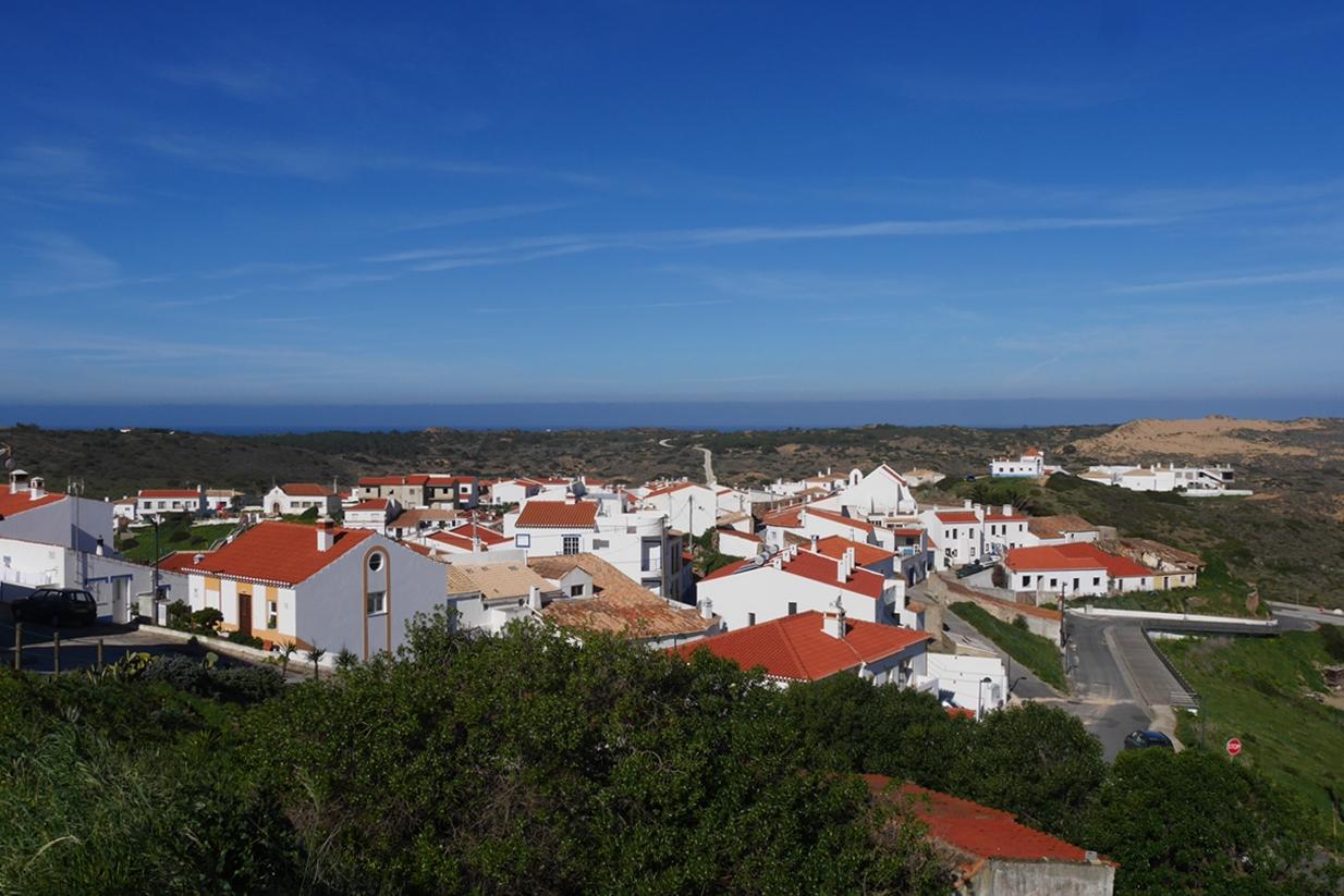 Aussicht auf Carrapateira vom Wanderweg Historical Way
