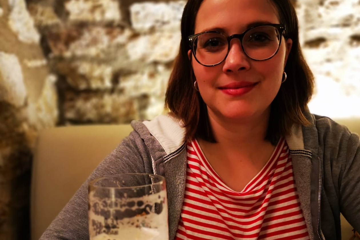 Lynn vor einem Glas Bier in den Museumsstuben Neckarsulm