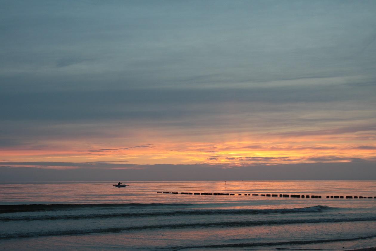 Sonnenuntergang auf Hiddensee in Mecklenburg-Vorpommern