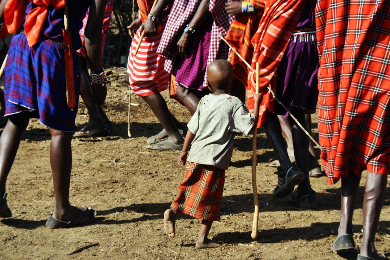 Tanzende Massai in Kenia