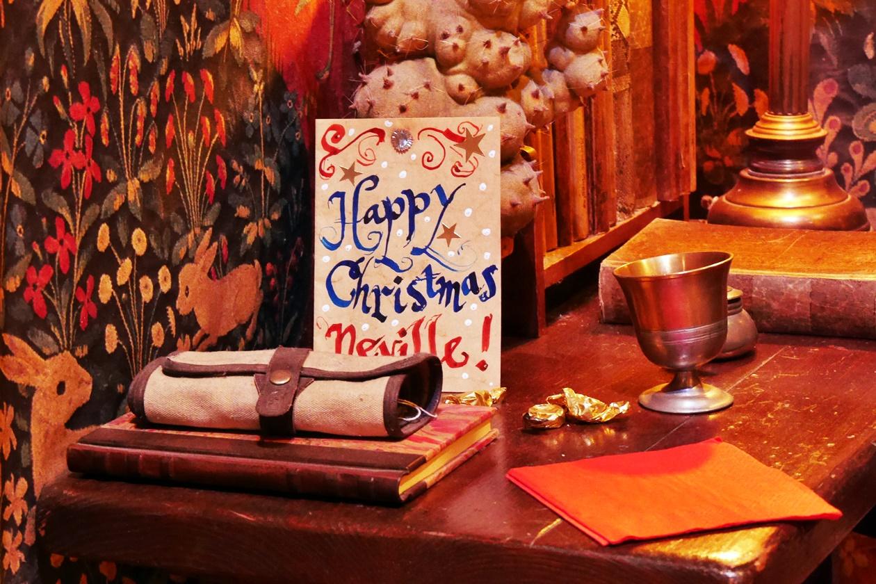 Auch Neville bekommt eine Weihnachtskarte