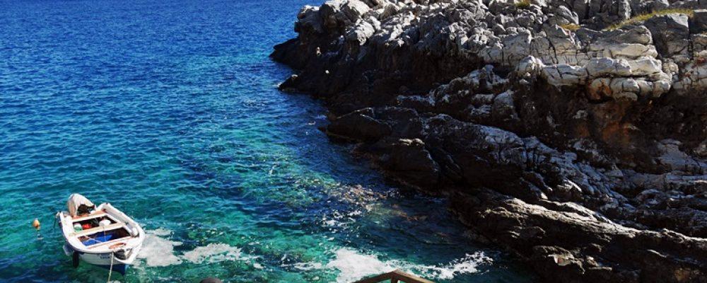Klares Wasser am Ende der Aradena Schlucht auf Kreta