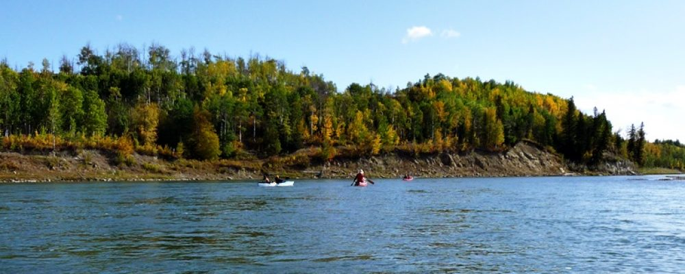 Kanu fahren auf dem Saskatchewan River in Kanada