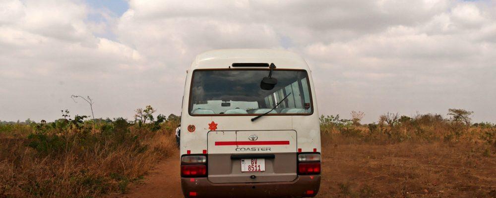 Ein Bus als typisches Transportmittel in Malawi